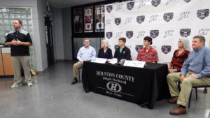Two from Houston County High sign golf scholarships